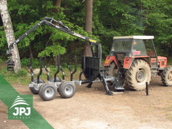 Traktorová vyvážečka Vahva Jussi 3000_420 a traktor Zetor